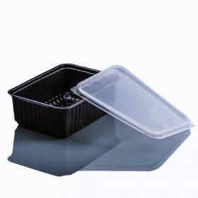 Műanyag dobozok és poharak